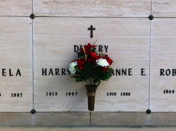 HarryAnneDemeryGravesite1 073
