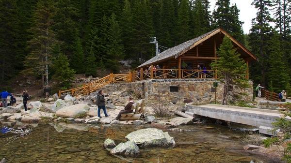 BanffNPLakeLouiseTeahouse1