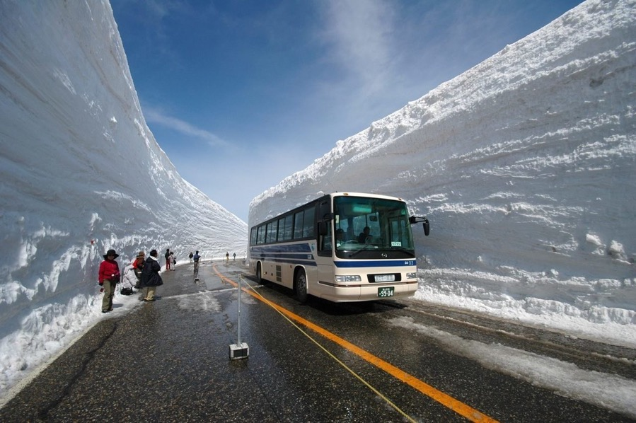 JapaneseSnowPlowing